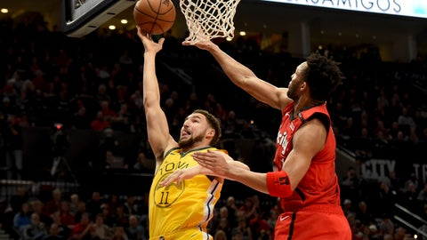 <p>               Golden State Warriors guard Klay Thompson, left, drives to the basket on Portland Trail Blazers guard Evan Turner, right, during the first half of an NBA basketball game in Portland, Ore., Saturday, Dec. 29, 2018. (AP Photo/Steve Dykes)             </p>