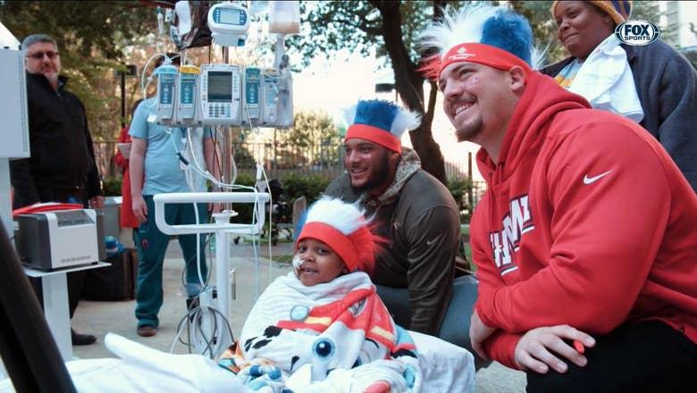 Texans Visit to the Texas Children's Hospital   Texans Buzz
