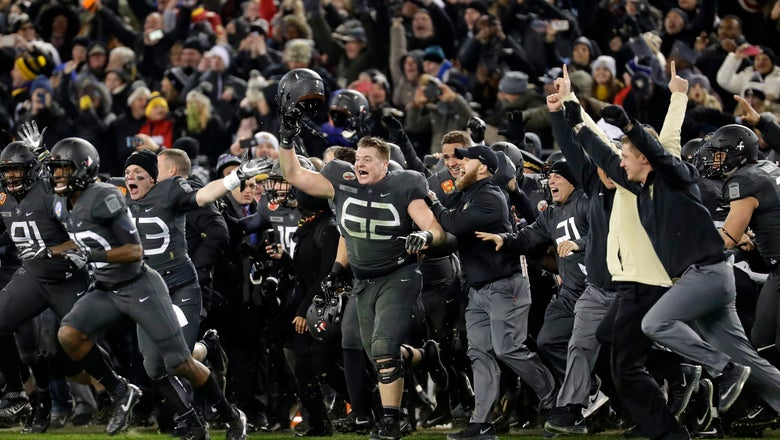 Army-Navy rivalry features Trump tossing coin at 119th game