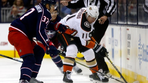 <p>               Anaheim Ducks forward Daniel Sprong, right, of the Netherlands, controls the puck against Columbus Blue Jackets forward Markus Hannikainen, of Finland, during the second period of an NHL hockey game in Columbus, Ohio, Saturday, Dec. 15, 2018. (AP Photo/Paul Vernon)             </p>