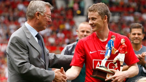 <p>               FILE - In this Saturday Aug. 2, 2008 file photo Manchester United's Ole Gunnar Solskjaer, right, shakes hands with manager Sir Alex Ferguson before his testimonial soccer match against Espanyol at Old Trafford Stadium, Manchester, England. (AP Photo/Jon Super, File)             </p>
