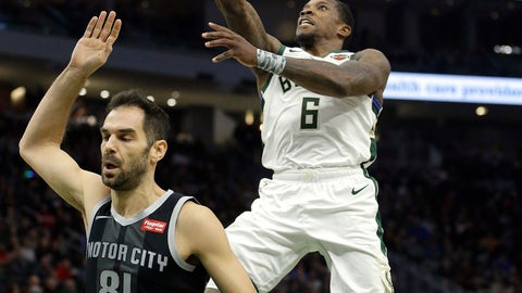 <p>               Milwaukee Bucks' Eric Bledsoe (6) goes up for a shot in front of Detroit Pistons' Jose Calderon during the second half of an NBA basketball game Wednesday, Dec. 5, 2018, in Milwaukee. (AP Photo/Aaron Gash)             </p>