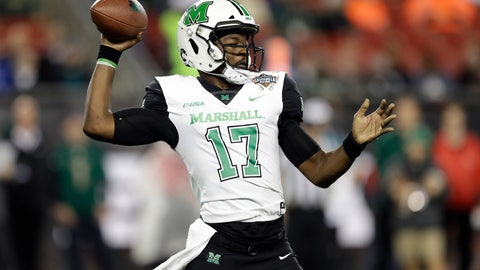<p>               Marshall quarterback Isaiah Green throws a pass during the first half of the Gasparilla Bowl NCAA college football game against South Florida on Thursday, Dec. 20, 2018, in Tampa, Fla. (AP Photo/Chris O'Meara)             </p>