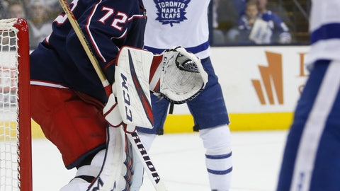 <p>               Toronto Maple Leafs' Andreas Johnsson, rear, of Sweden, celebrates a Maple Leafs goal against Columbus Blue Jackets' Sergei Bobrovsky, of Russia, during the first period of an NHL hockey game Friday, Dec. 28, 2018, in Columbus, Ohio. (AP Photo/Jay LaPrete)             </p>