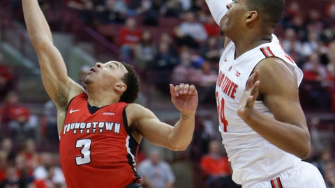 <p>               Youngstown State's Darius Quisenberry, left, shoots over Ohio State's Kaleb Wesson during the first half of an NCAA college basketball game Tuesday, Dec. 18, 2018, in Columbus, Ohio. (AP Photo/Jay LaPrete)             </p>