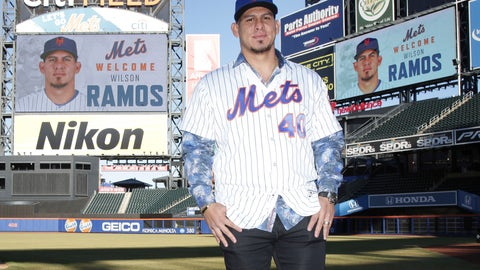 <p>               New York Mets catcher Wilson Ramos poses for a picture after an introductory news conference at Citi Field, Tuesday, Dec. 18, 2018, in New York. (AP Photo/Seth Wenig)             </p>