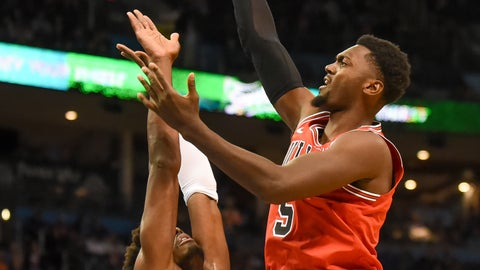 <p>               Chicago Bulls forward Bobby Portis (5) shoots over Oklahoma City Thunder forward Jerami Grant (9) in the second half of an NBA basketball game in Oklahoma City, Monday, Dec. 17, 2018. (AP Photo/Kyle Phillips)             </p>