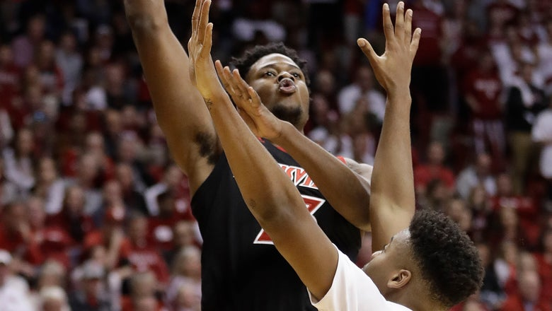 Hoosiers use 2nd-half charge to rally past Louisville 68-67