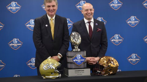 <p>               FILE  -  In this Dec. 5, 2018 file photo Georgia Tech head coach Paul Johnson, left, and University of Minnesota head coach P.J. Fleck pose with the NCAA college football Quick Lane Bowl trophy at a news conference in Allen Park, Mich. Johnson will lead Georgia Tech for the final time Wednesday, Dec. 26, 2018 against Minnesota in the Quick Lane Bowl. Johnson is 82-59 at Georgia Tech over 11 seasons and 128-88 overall, including six seasons at Navy. Minnesota has a nation-high 52 percent of its roster filled by freshman. The young became bowl eligible by beating Purdue 41-10 and Wisconsin 37-15 in November. (Max Ortiz/Detroit News via AP)             </p>
