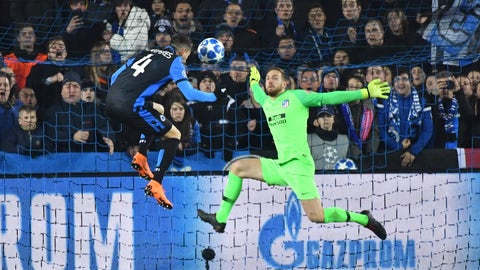 <p>               Atletico goalkeeper Jan Oblak save a goal from Brugge defender Luan Peres, left, during their Champions League group A soccer match between Club Brugge and Atletico Madrid at the Jan Breydel Stadium in Bruges, Belgium, Tuesday, Dec. 11, 2018. (AP Photo/Geert Vanden Wijngaert)             </p>
