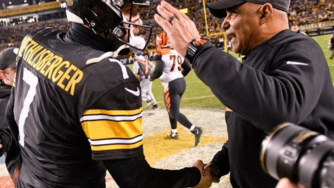 <p>               Pittsburgh Steelers quarterback Ben Roethlisberger (7) greets Cincinnati Bengals head coach Marvin Lewis after an NFL football game, Sunday, Dec. 30, 2018, in Pittsburgh. (AP Photo/Don Wright)             </p>