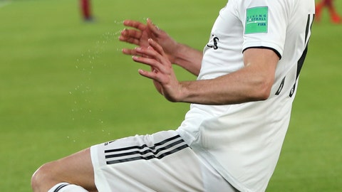 <p>               Real Madrid's midfielder Gareth Bale celebrates after scoring his side's second goal during the Club World Cup semifinal soccer match between Real Madrid and Kashima Antlers at Zayed Sports City stadium in Abu Dhabi, United Arab Emirates, Wednesday, Dec. 19, 2018. (AP Photo/Kamran Jebreili)             </p>
