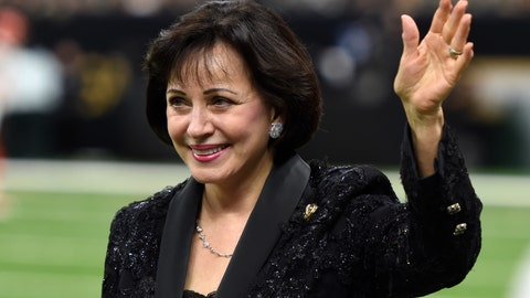 <p>               In this Sept. 16, 2018, photo, New Orleans Saints owner Gayle Benson waves before an NFL football game against the Cleveland Browns in New Orleans. New Orleans Saints and Pelicans owner Benson has paid off nearly $100,000 worth of layaway orders at a New Orleans Walmart. News outlets reported Tuesday, Dec. 4, 2018, that Benson has paid off more than 400 orders at the Tchoupitoulas Street store. NOLA.com/The Times-Picayune reports a Saints spokesman says Benson made the gift on her own.(AP Photo/Bill Feig)             </p>