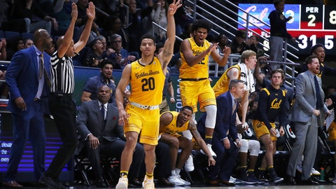 <p>               California's Matt Bradley (20) celebrates after scoring against San Diego in the final seconds of an NCAA college basketball game, Saturday, Dec. 8, 2018, in Berkeley, Calif. (AP Photo/Ben Margot)             </p>