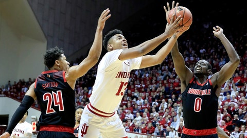 BLOOMINGTON, IN - DECEMBER 08:  Juwan Morgan #13 of the Indiana Hoosiers shoots the ball against the Louisville Cardinals at Assembly Hall on December 8, 2018 in Bloomington, Indiana.  (Photo by Andy Lyons/Getty Images)