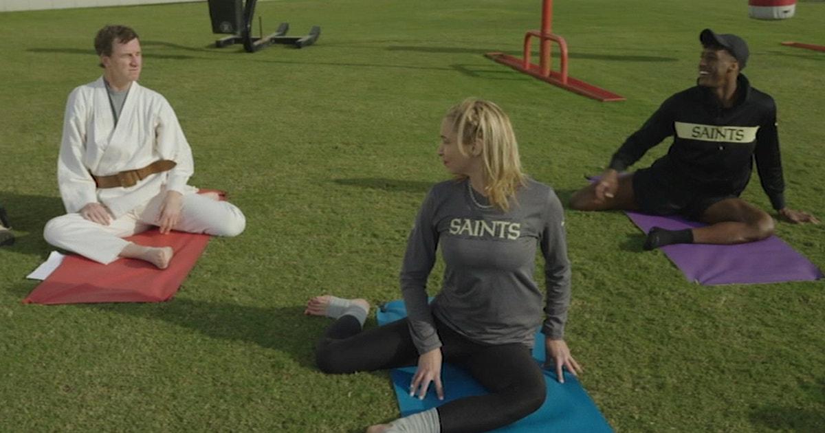 Jedi Master Cooper Manning meditates with Saints WR Michael Thomas | MANNING HOUR
