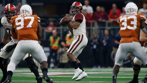 Dec 1, 2018; Arlington, TX, USA;  iOklahoma Sooners quarterback Kyler Murray (1) throws in the first quarter against the Texas Longhornsn the Big 12 championship game at AT&T Stadium. Mandatory Credit: Tim Heitman-USA TODAY Sports