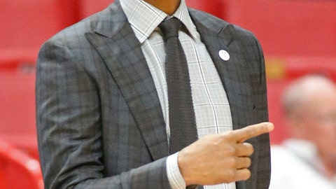 <p>               Memphis head coach Penny Hardaway directs the players against Texas Tech during the first half of an NCAA college basketball game at the Air Force Reserve Hoophall Miami Invitational in Miami, Saturday, Dec. 1, 2018. (AP Photo/Joel Auerbach)             </p>