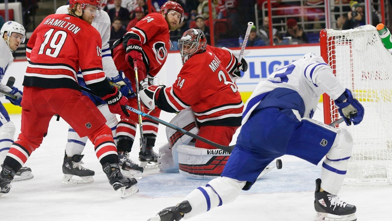 Nylander leads Maple Leafs to 4-1 win over Hurricanes