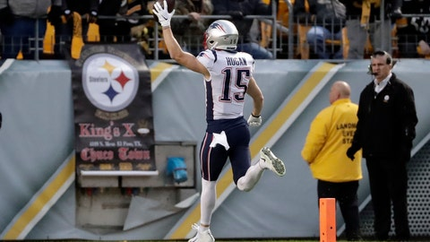 <p>               New England Patriots wide receiver Chris Hogan (15) scores after taking a pass from quarterback Tom Brady during the first half of an NFL football game against the Pittsburgh Steelers in Pittsburgh, Sunday, Dec. 16, 2018. (AP Photo/Don Wright)             </p>