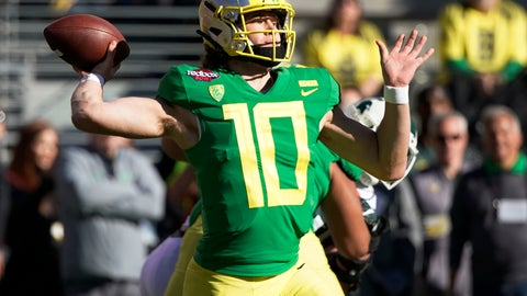 <p>               Oregon Ducks quarterback Justin Herbert (10) throws a pass during the first half of the Redbox Bowl NCAA college football game Monday, Dec. 31, 2018, in Santa Clara, Calif. (AP Photo/Tony Avelar)             </p>
