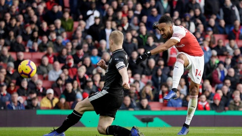 <p>               Arsenal's Pierre-Emerick Aubameyang, right, scores his side's second goal during the English Premier League soccer match between Arsenal and Burnley at the Emirates Stadium in London, Saturday, Dec. 22, 2018. (AP Photo/Tim Ireland)             </p>