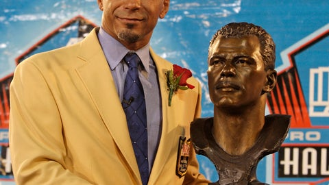 <p>               FILE - In this Saturday, Aug. 8, 2009 file photo, Former Pittsburgh Steelers, San Francisco 49ers, Baltimore Ravens and Oakland Raiders player Rod Woodson stands with his bronze bust during the Pro Football Hall of Fame induction ceremony at the Pro Football Hall of Fame in Canton, Ohio. The Pro Football Hall of Fame World Bowl Presented by Xenith will be at Azul Stadium, with players chosen by a selection team of scouts, Hall of Famers and former NFL executives. Rod Woodson, the outstanding defensive back and special teams player who entered the Hall of Fame in 2009 will serve as host.(AP Photo/Tony Dejak, File)             </p>