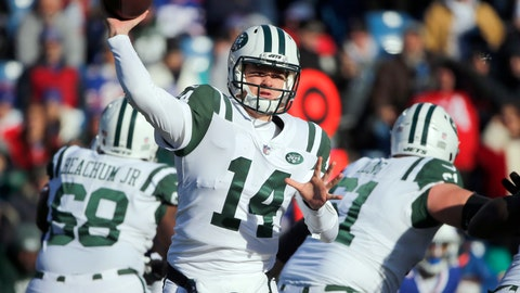 <p>               FILE - In this Sunday, Dec. 9, 2018, file photo, New York Jets quarterback Sam Darnold passes against the Buffalo Bills during the first half of an NFL football game in Orchard Park, N.Y. Darnold has been a fan of Green Bay Packers quarterback Aaron Rodgers for years and wouldn't mind following in his footsteps on the field. The Jets host the Packers on Sunday.  (AP Photo/Jeffrey T. Barnes, File)             </p>