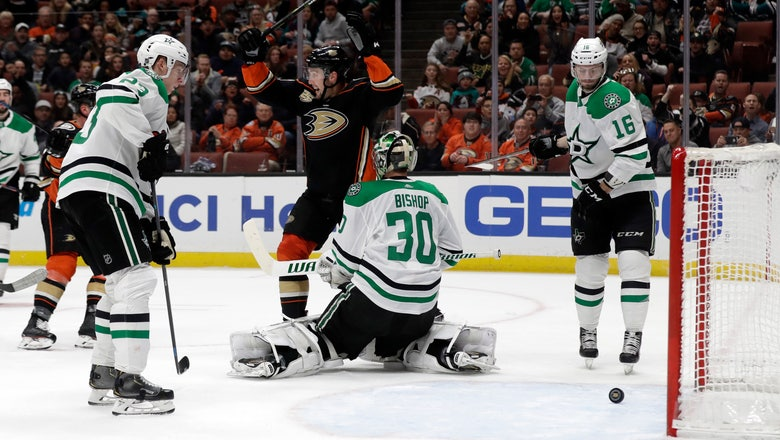 Kase's first NHL hat trick helps lead Ducks to 6-3 win over Stars