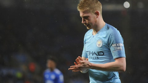 <p>               Manchester City's Kevin De Bruyne waits to take a corner kick during the English League Cup quarterfinal soccer match at the King Power stadium in Leicester, England, Tuesday, Dec.18, 2018. (AP Photo/Rui Vieira)             </p>