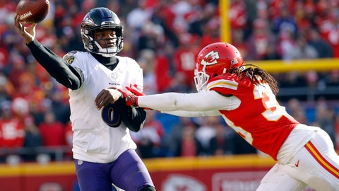 <p>               Baltimore Ravens quarterback Lamar Jackson, left, throws under pressure from Kansas City Chiefs safety Ron Parker (38) during the second half of an NFL football game in Kansas City, Mo., Sunday, Dec. 9, 2018. (AP Photo/Charlie Riedel)             </p>
