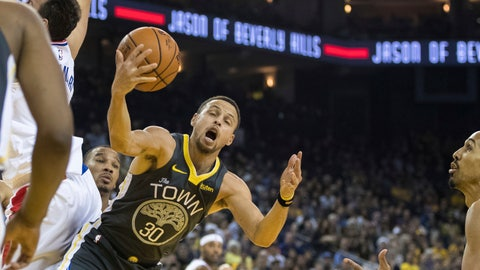 <p>               Golden State Warriors guard Stephen Curry (30) gets a rebound against the Los Angeles Clippers in the second quarter of an NBA basketball game, Sunday, Dec. 23, 2018, in Oakland, Calif. (AP Photo/John Hefti)             </p>