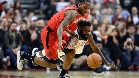 <p>               Toronto Raptors forward Kawhi Leonard (2) and Indiana Pacers guard Tyreke Evans (12) battle for the loose ball during the first half of an NBA basketball game, Wednesday, Dec. 19, 2018 in Toronto. (Frank Gunn/The Canadian Press via AP)             </p>