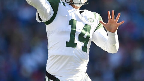 <p>               New York Jets quarterback Sam Darnold passes against the Buffalo Bills during the first half of an NFL football game, Sunday, Dec. 9, 2018, in Orchard Park, N.Y. (AP Photo/Adrian Kraus)             </p>