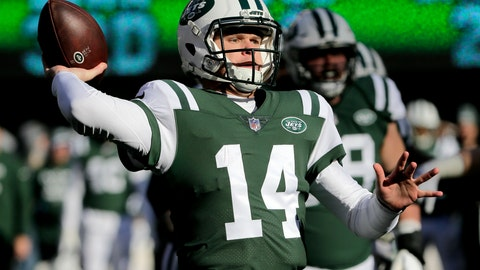 <p>               New York Jets quarterback Sam Darnold throws a pass against the Green Bay Packers during the first half of an NFL football game, Sunday, Dec. 23, 2018, in East Rutherford, N.J. (AP Photo/Seth Wenig)             </p>