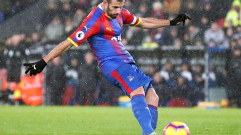 <p>               Crystal Palace's Luka Milivojevic scores his side's first goal of the game during the English Premier League soccer match between Crystal Palace and Leicester City at Selhurst Park Stadium, London. Saturday Dec. 15, 2018. (Adam Davy/PA via AP)             </p>