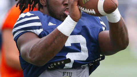 <p>               FILE - In this Thursday, Aug. 11, 2016, file photo, Florida International running back Anthony Jones catches a pass during an NCAA college football practice at Ocean Bank Field at FIU Stadium, in Miami. Jones and a teammate were hurt in a drive-by shooting on Sept. 6, 2018. Jones' wounds have healed and he's playing in the Bahamas Bowl on Friday, Dec. 21, as FIU takes on Toledo. (David Santiago/El Nuevo Herald via AP, File)             </p>