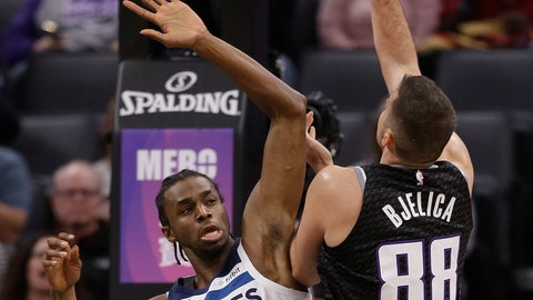 <p>               Sacramento Kings forward Nemanja Bjelica, right, goes to the basket against Minnesota Timberwolves forward Andrew Wiggins during the first quarter of an NBA basketball game, Wednesday, Dec. 12, 2018, in Sacramento, Calif. (AP Photo/Rich Pedroncelli)             </p>