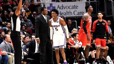 <p>               Sacramento Kings guard De'Aaron Fox (5) reacts after making a three-point basket against the Chicago Bulls during the second half of an NBA basketball game Monday, Dec. 10, 2018, in Chicago. (AP Photo/David Banks)             </p>