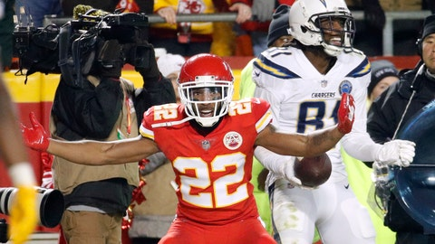 <p>               Kansas City Chiefs defensive back Orlando Scandrick (22) tries to dispute a touchdown pass by Los Angeles Chargers wide receiver Mike Williams, right, during the second half of an NFL football game in Kansas City, Mo., Thursday, Dec. 13, 2018. The Los Angeles Chargers won 29-28. (AP Photo/Charlie Riedel)             </p>