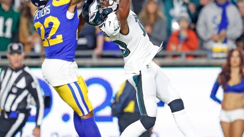 Marcus Peters up high