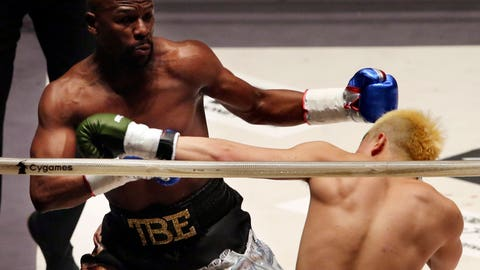 Floyd Mayweather Destroys Japanese 20-Year-Old In Exhibition Fight