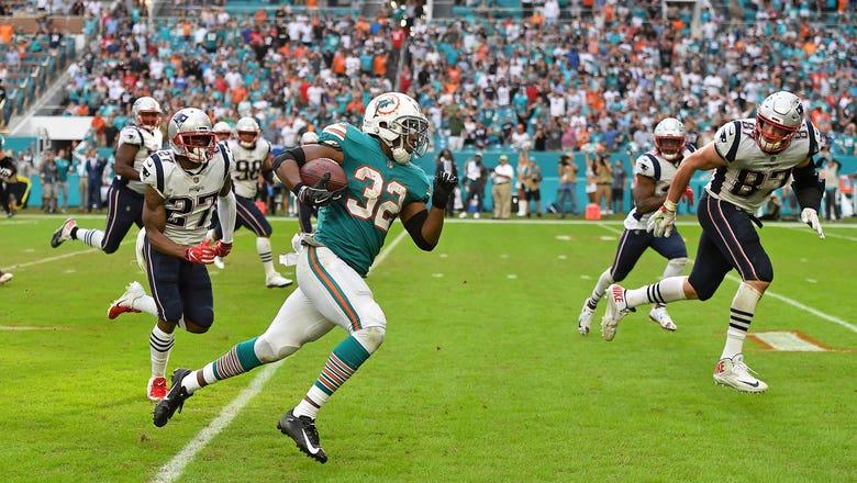 Kenyan Drake scores on wild final play as Dolphins stun Patriots 34-33
