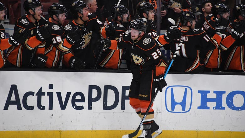 Rangers rally to end Ducks' road winning streak