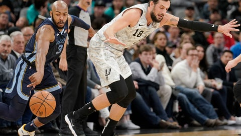 <p>               San Antonio Spurs' Marco Belinelli (18) is fouled by Memphis Grizzlies' Jevon Carter during the first half of an NBA basketball game, Saturday, Jan. 5, 2019, in San Antonio. (AP Photo/Darren Abate)             </p>