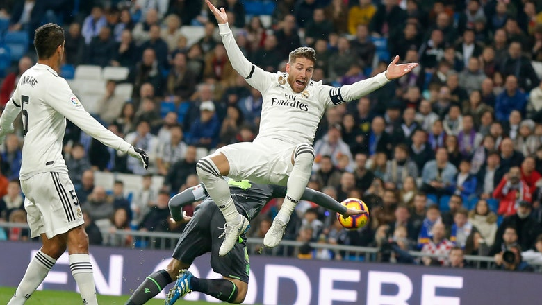 10-man Real Madrid loses 2-0 to Sociedad
