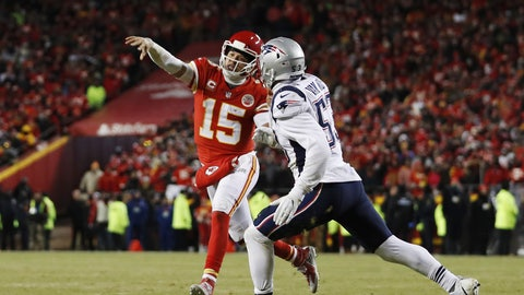<p>               Kansas City Chiefs quarterback Patrick Mahomes (15) throws a touchdown pass to running back Damien Williams against New England Patriots middle linebacker Kyle Van Noy (53) during the second half of the AFC Championship NFL football game, Sunday, Jan. 20, 2019, in Kansas City, Mo. (AP Photo/Jeff Roberson)             </p>