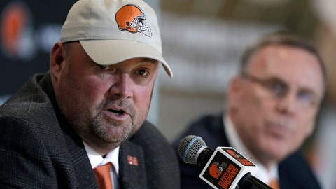 <p>               Cleveland Browns new head coach Freddie Kitchens, left, answers questions during an introductory news conference, as Browns general manager John Dorsey listens, at right, Monday, Jan. 14, 2019, in Cleveland. Kitchens helped Baker Mayfield turn his rookie season into a record-breaking one during an impressive eight-game stint as the Browns offensive coordinator. (AP Photo/Tony Dejak)             </p>