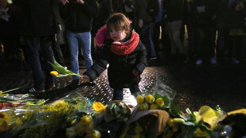 <p>               Residents of Nantes, western France, and FC Nantes soccer fans are gathered in the city center to pay tribute to FC Nantes soccer player Emiliano Sala of Argentina, Tuesday, Jan. 22, 2019. The French civil aviation authority said Tuesday, Emiliano Sala was aboard a small passenger plane that went missing off the coast of the island of Guernsey. (AP Photo/David Vincent)             </p>