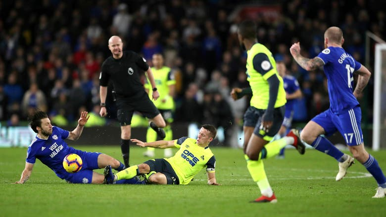 Ref reverses call and Cardiff-Huddersfield draw 0-0 in EPL